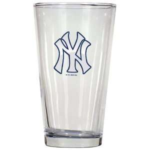 New York Yankees 3D Logo Pint Glass