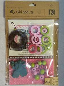 Scouts3 K&COMPANY WOOD BEAD BRACELET KIT   44pcs