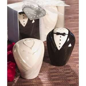 Bride & Groom Salt & Pepper Shaker Favors